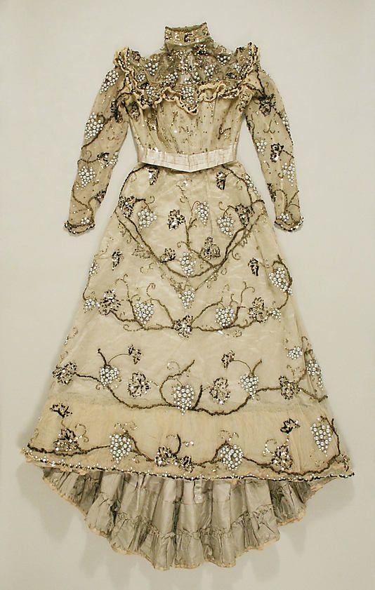 Evening dress Jacques Doucet 1897-1900 Metropolitan Museum of Art