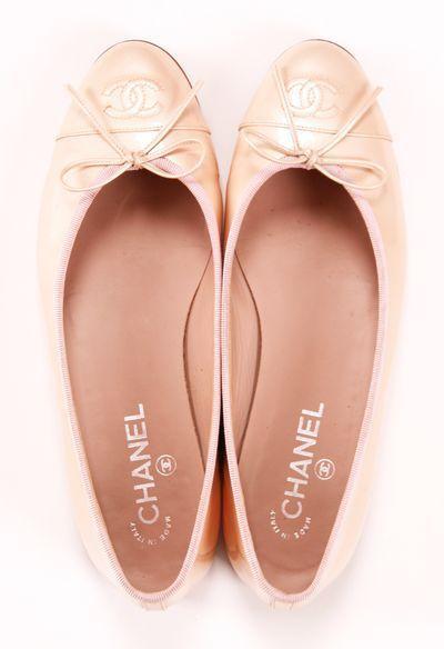Chanel Nude/blush ballet flats