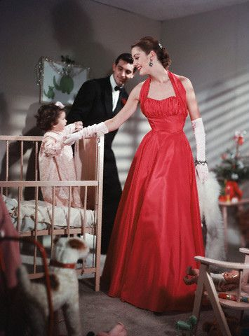 There was something to tremendously enchanting and glamorous about watching your parents get ready for a fancy evening out when you were a youngster. #vintage #fashion #1950s #family #mother #dress