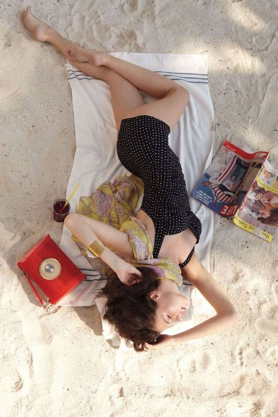 Retro Beach Fashion - The Anthropologie April 2011 Lookbook Stars Jeisa Chiminazzo (GALLERY)