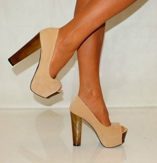 Shoes / .cream with a wooden chunky heel