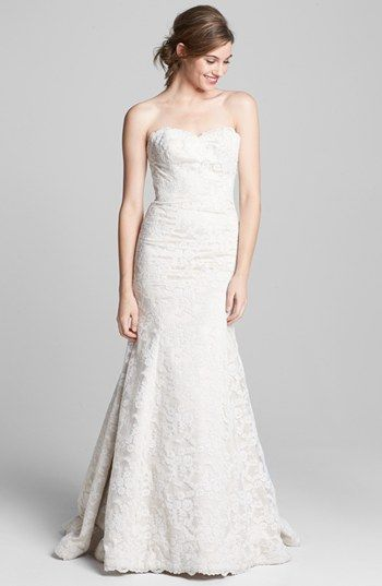 A perfect lace wedding dress
