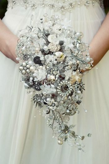 I love this idea for a wedding bouquet