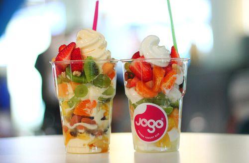 Frozen yogurt with fresh fruit.