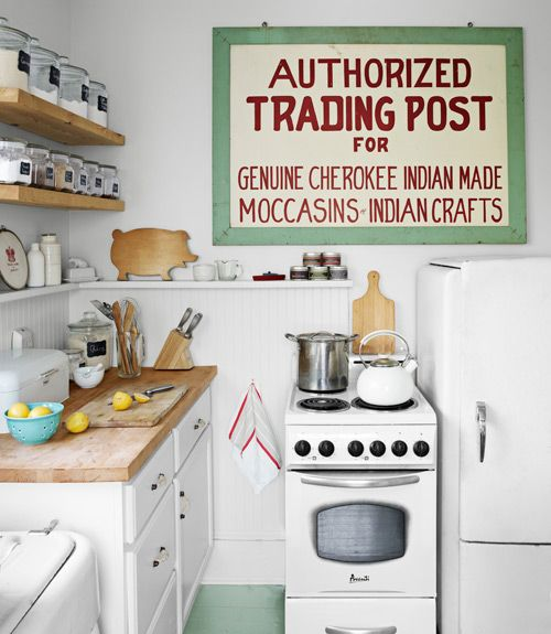 love this vintage cottage kitchen and that sign!