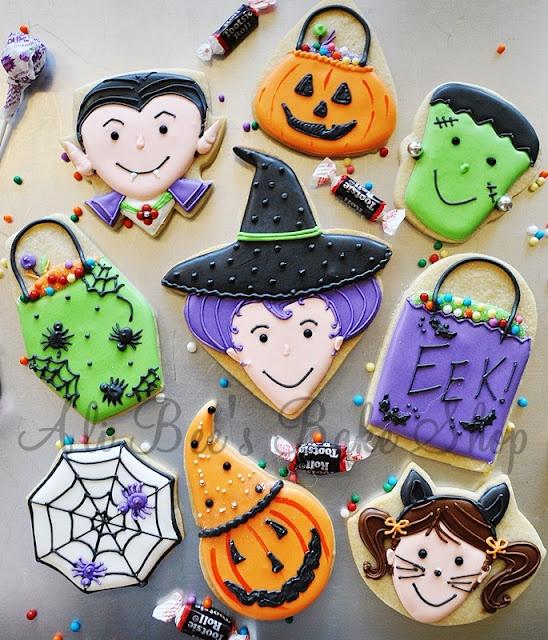 Delightfully cute Halloween trick-or-treat night themed cookies. #Halloween #food #cookies #kids
