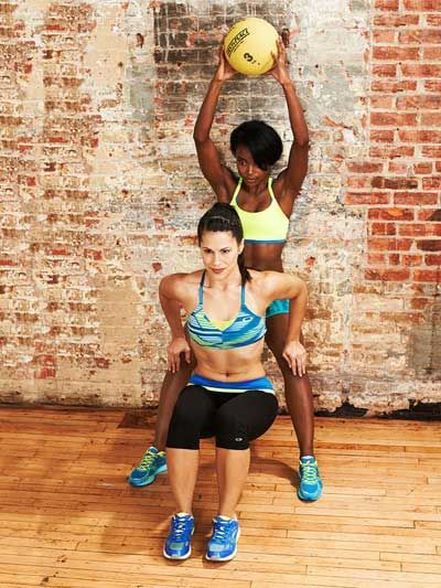 Partner Workout: Squat and #exercising #Workout Exercises