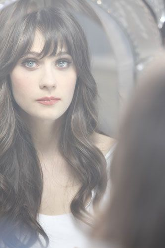 zoey. want these bangs  ;)