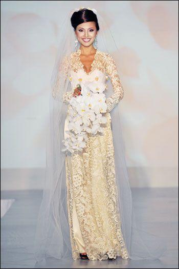Great modern ao dai dress