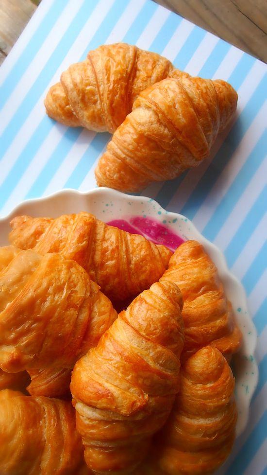 100 Calorie Crescent Rolls Made With @chobani Greek Yogurt & Avocado.