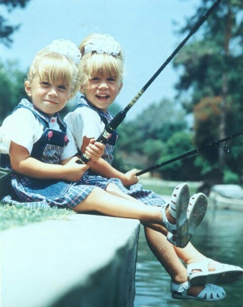 Young Mary Kate and Ashley Olsen