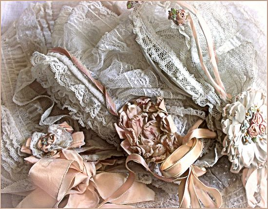 shabby roses & laces