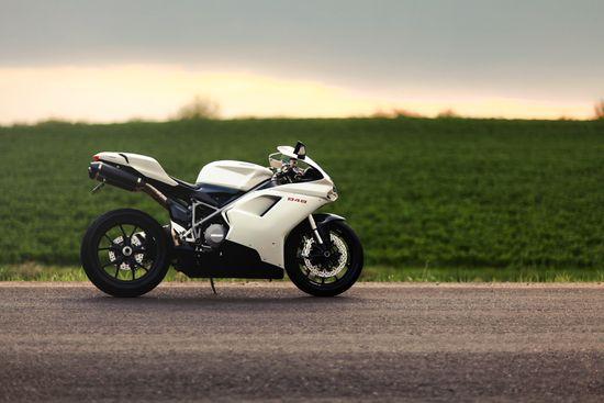 Ducati 848 sport bike. Beautiful!