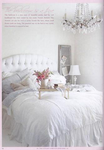 Love that chandelier!