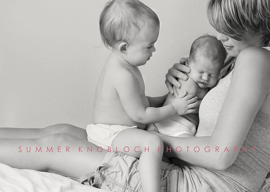 love this pose for toddler and newborn!