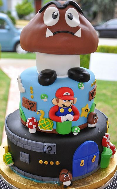 Too cool for words!!! :))) #Mario #cake #decorated #food #party #1990s #retro #nostalgia #Nintendo #Super_Mario_Brothers #baking #party #birthday #amazing
