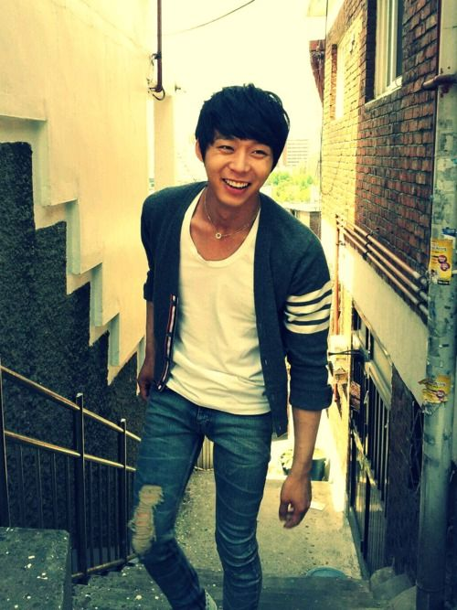 Park Yoochun (Micky) - star of popular Korean drama Rooftop Prince was also a member of ex-popular boyband DBSK. He's now part of a 3-member trio called JYJ.