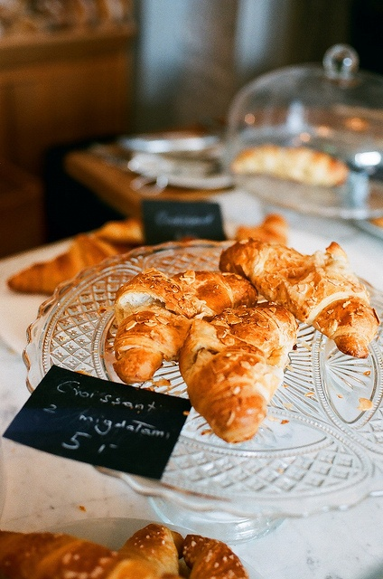 Croissants with almonds