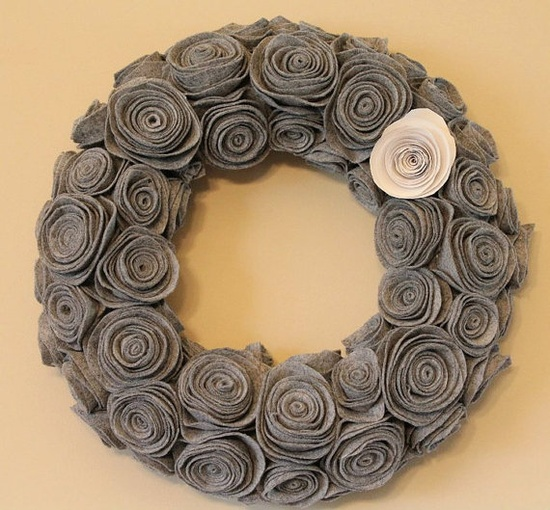 Felt Rose Wreath = BEAUTIFUL