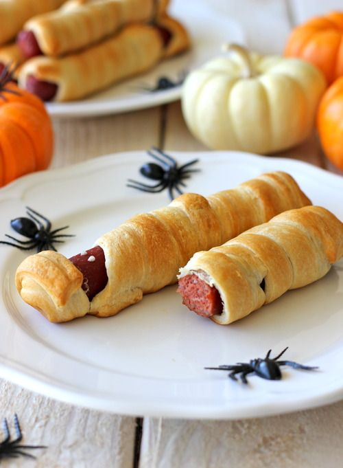 Mummy Hot Dogs by damndelicious #Halloween #Hot_Dogs #Mummy