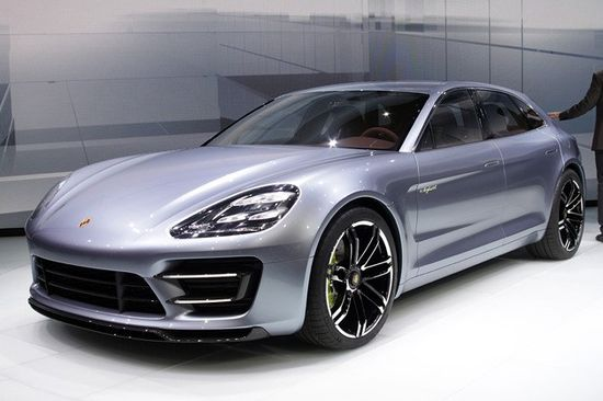 Porsche details the progress of its Panamera Sport Turismo Video