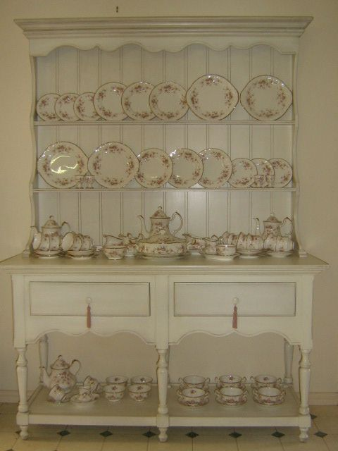 Paragon hutch by The Shabby Chic Chic, via Flickr