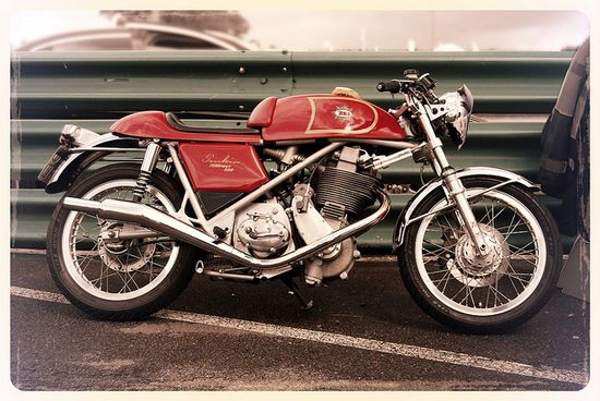 BSA Cafe Racer