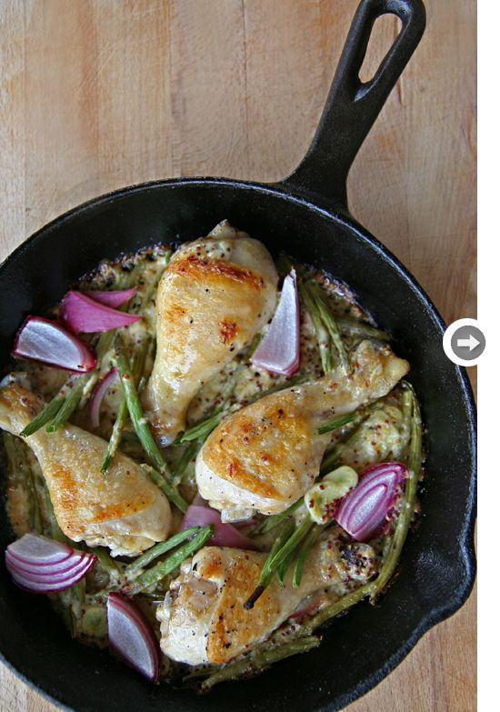 {recipe: slow-cooked chicken with red onions and green beans}