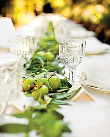 Table Garland green pears apples