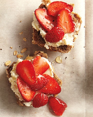 Strawberries, ricotta and honey. Quick and healthy breakfast. I think cottage cheese or light cream cheese could also be an easy substitute for the ricotta.