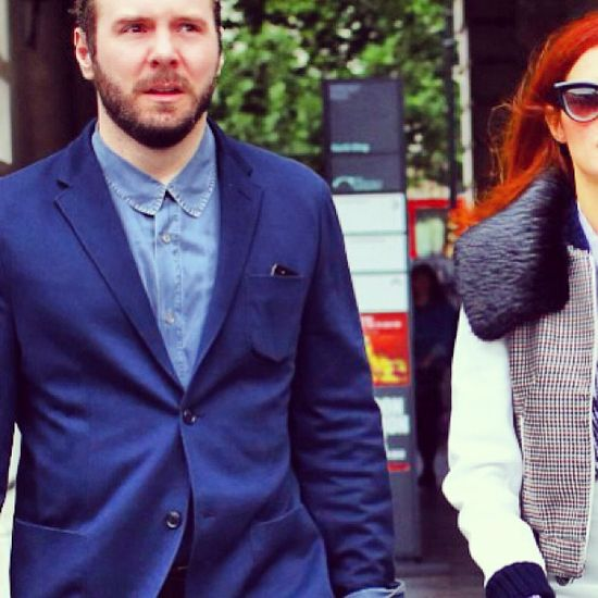 chambray shirt + blue blazer  \\ @dressmeSue pins office ideas