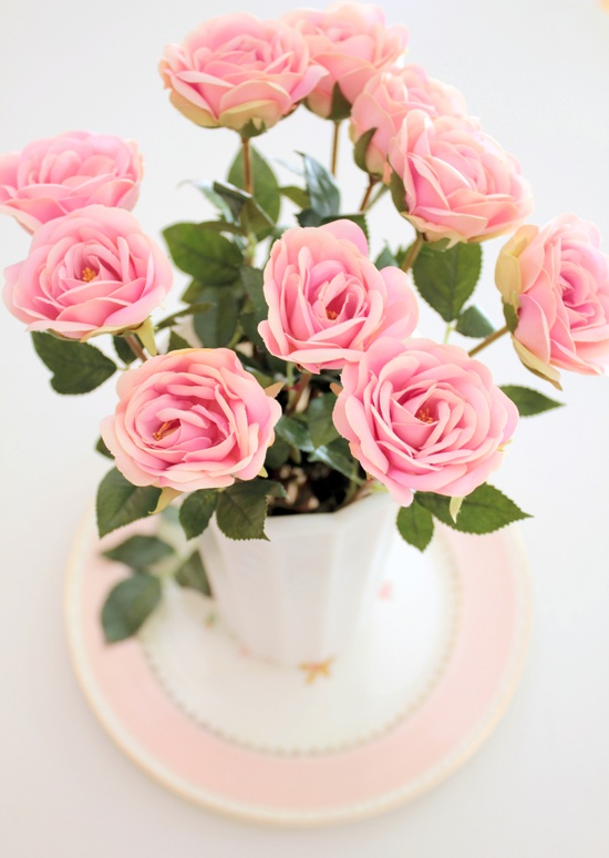 Pink roses = my fave