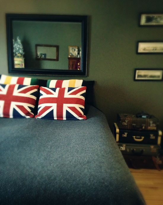Hudson's Bay point blanket & Union Jack pillows