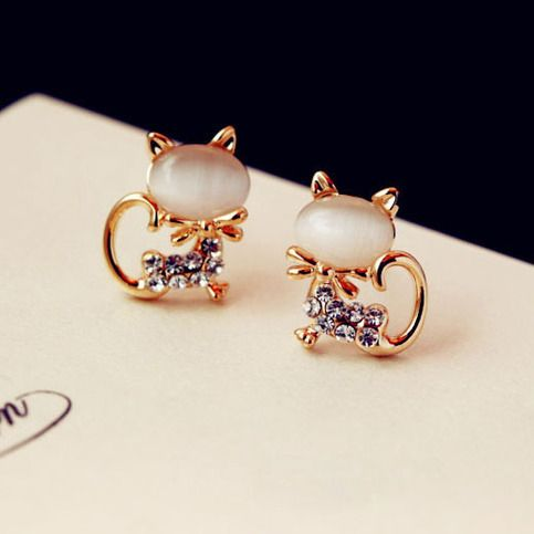 """Size: Height: 1.8CM(0.7"""" )  Width: 1.2CM(0.47"""" )   Style: cute/funny  Color: Pink/white  Material: Opal/Rhinestone/alloy  Fashion element: Cat Shape   This cat Opal Rhinestone Earrings is a very lovely earring. Cat is very cute animal. When you wear this earring. you will become more l..."""