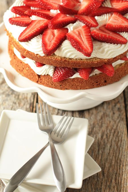 Strawberry Cream Cake... Love ?
