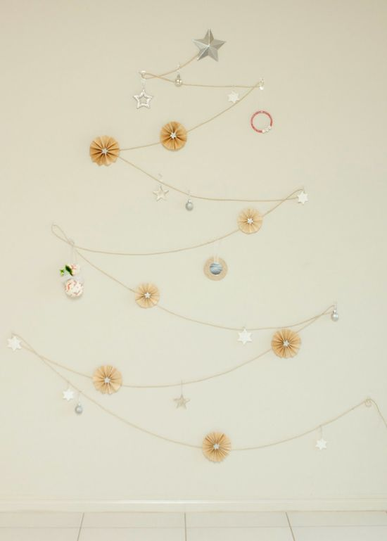 maxandmeblog.blog...: DIY Christmas decorating ideas... I love this string Christmas Tree idea