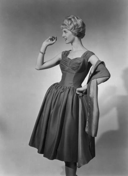 A beautiful Vera Jones evening dress, August, 1958. #vintage #1950s #fashion