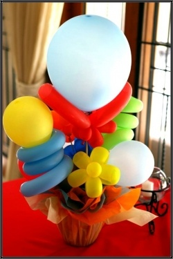Want to make your own display of BALLOON FLOWERS ~ HERES HOW: DIY How to Make Balloon Flowers