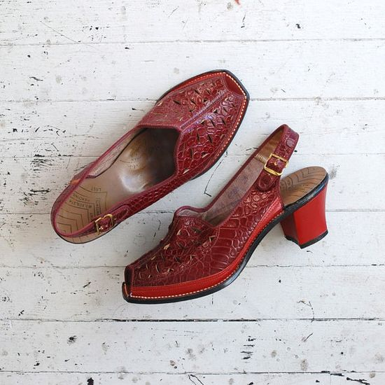 vintage 1940s shoes / red 40s platform shoes / Red by DearGolden, $145.00