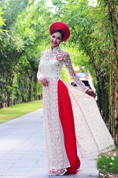 White Ao dai with red pants and head dress. another way to dress up your ao dai cuoi!