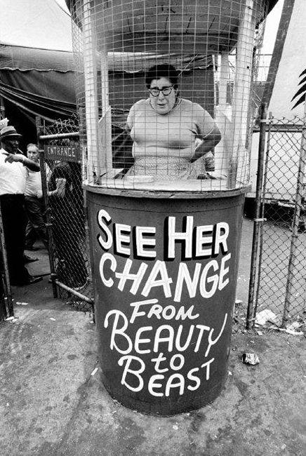 Coney Island 1969 par Bruce Gilden.