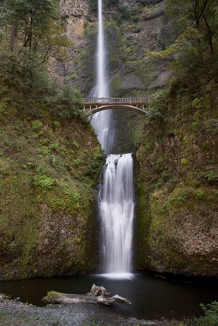Multnomah Falls, Portland. Oregon is one of the most beautiful places in the US