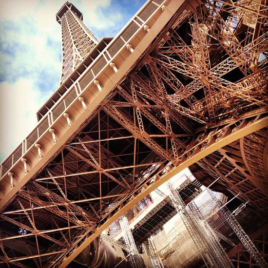 Traveller's Bazaar Paris Travel Guide (video)