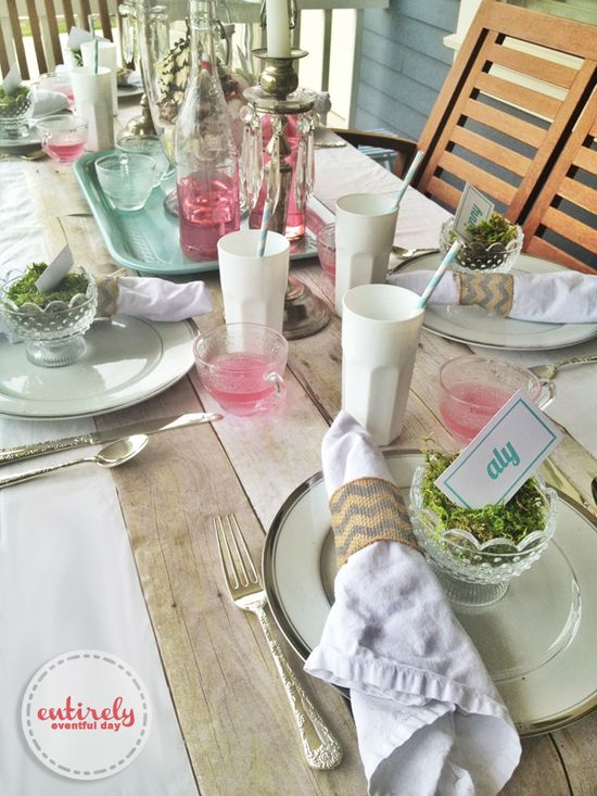 Beautiful table idea for a sophisticated beach party! entirelyeventfuld... #party #summer #beachparty