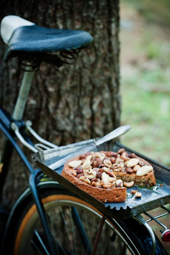 {?} Espresso cake with honey and nuts