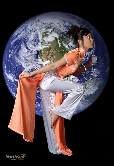 Dancers Of The World - Vietnamese Dancer