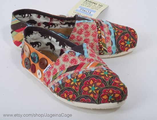 Fabric covered TOMS! AH I LOVE THIS! I should be able to make these