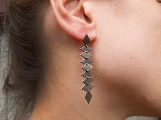 Love these geometric earrings.