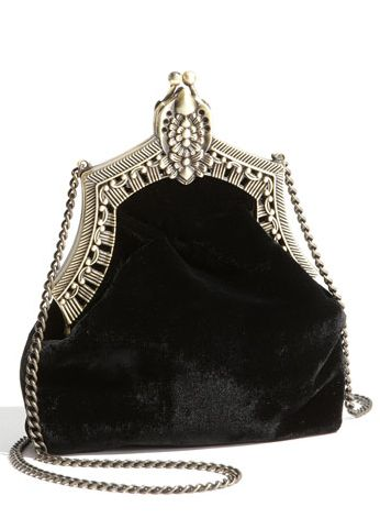 I love these vintage purses