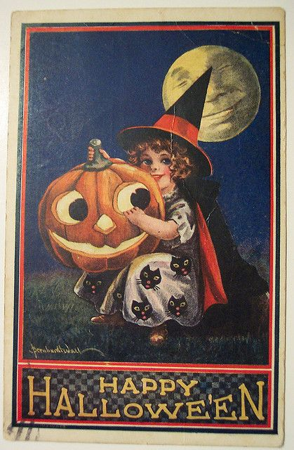 Vintage Halloween Postcard  Have fun! - Jomadado.com  Vintage Halloween postcard. #halloween #vintagehalloween #holiday #halloweenpostcard #postcard
